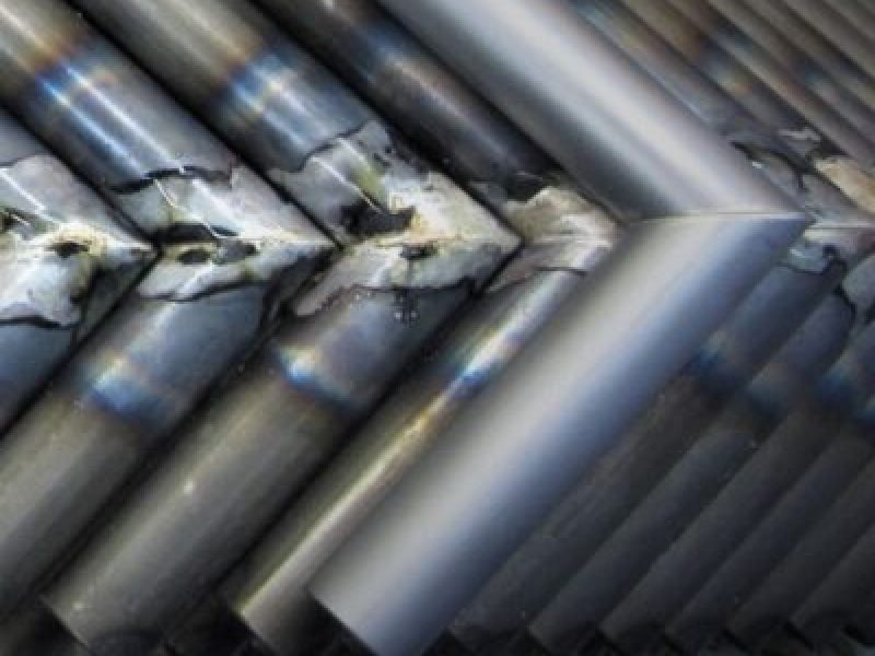 mehrere metallstueck eckig